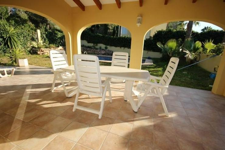 Bild 3: Gepflegte Villa mit Pool, großzügig und modern, Zentralheizung, BBQ, Carport, alles auf ...