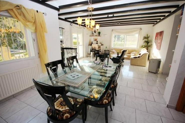 Bild 5: Gepflegte Villa mit Pool, großzügig und modern, Zentralheizung, BBQ, Carport, alles auf ...