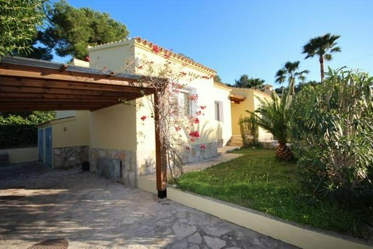 Bild 4: Gepflegte Villa mit Pool, großzügig und modern, Zentralheizung, BBQ, Carport, alles auf ...