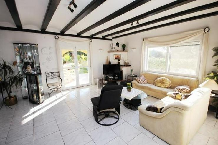 Bild 6: Gepflegte Villa mit Pool, großzügig und modern, Zentralheizung, BBQ, Carport, alles auf ...