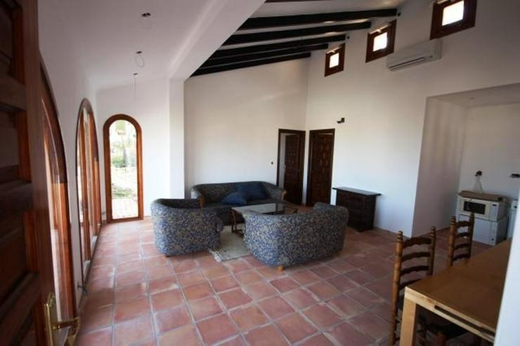 Bild 5: Villa mit Einliegerwohnung, Infinity Pool und Meersicht in Denia