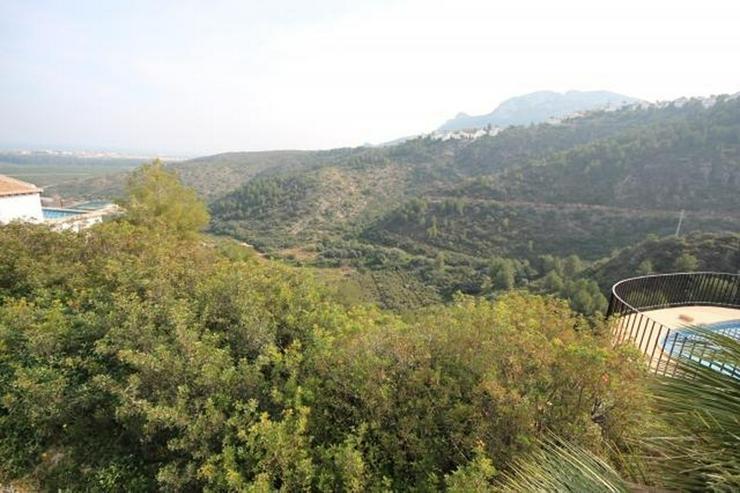 Bild 3: Bebaubares Südwest gerichtetes Grundstück in Monte Pego mit schönem Meer und Bergblick.