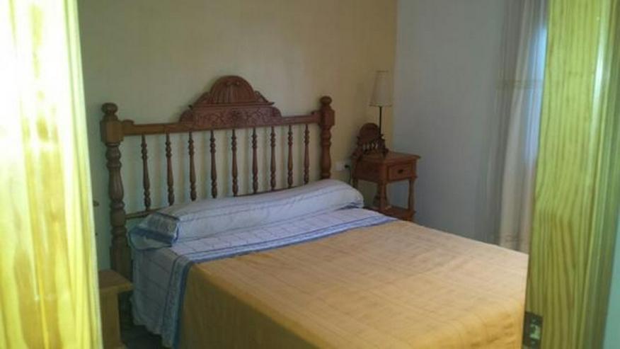 Bild 5: Villa mit zwei Schlafzimmern auf 400 qm Grundstück mit Pool in Els Poblets nur 900 Meter ...