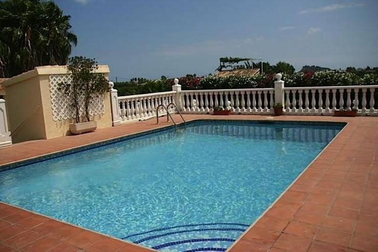 Bild 6: Herrlich gelegenes Anwesen mit 4 Schlafzimmern und Pool in Tosalet-Denia