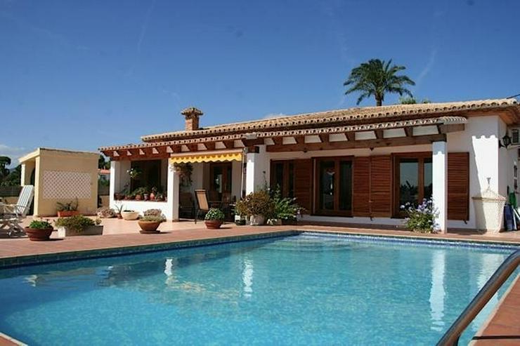 Herrlich gelegenes Anwesen mit 4 Schlafzimmern und Pool in Tosalet-Denia - Haus kaufen - Bild 1