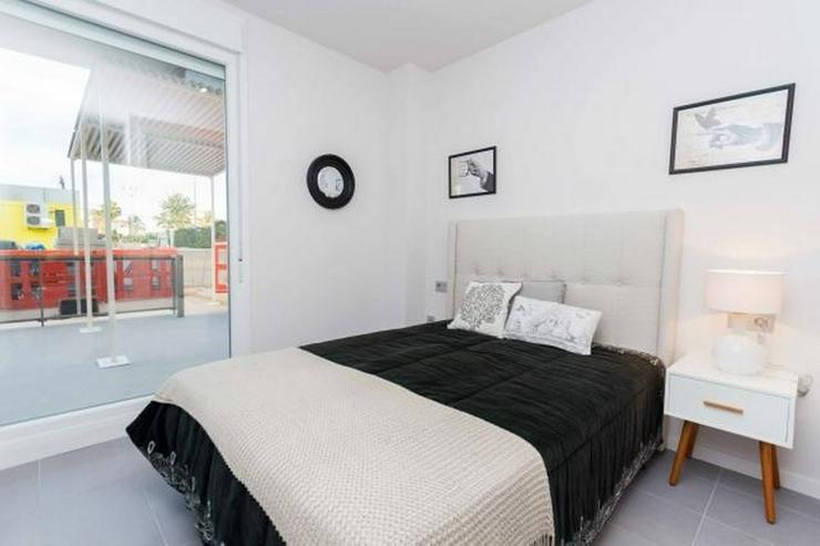 Bild 2: 3 Duplex-Penthäuser in Denia Las Marinas, von 95 m² bis 96 m², 3 Schlafzimmer, 2 Badezi...