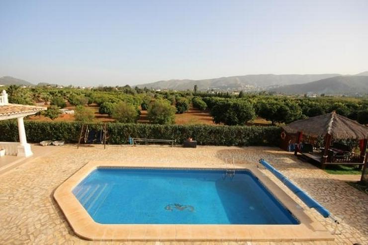 Bild 4: Traumhafte Villa mit Pool in Pedreguer, 6 Zimmer, 4 Bäder, Bergblick, Kamin, Alarmanlage,...