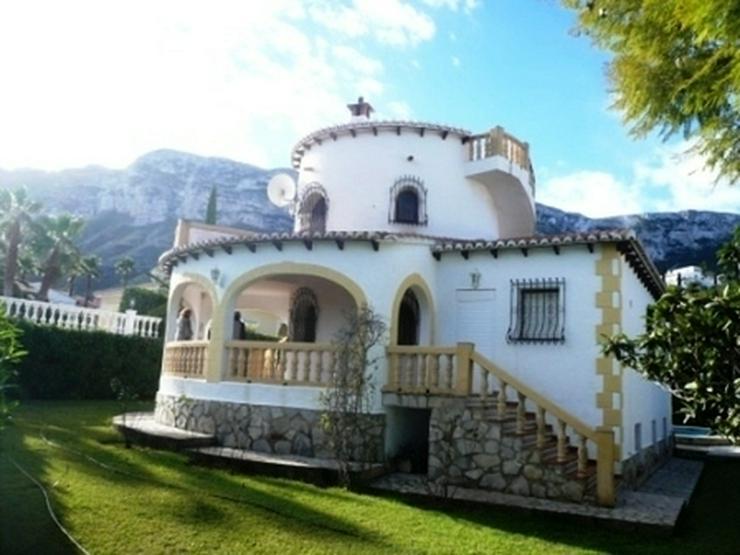 4Zimmer Villa in einer sonnigen Gegend und mit Meerblick - Haus kaufen - Bild 1