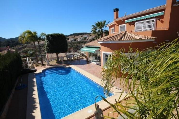 Bild 2: Gemütliche Villa mit 3 Schlafzimmern, Pool und schönem Grundstück in Gata Residencial