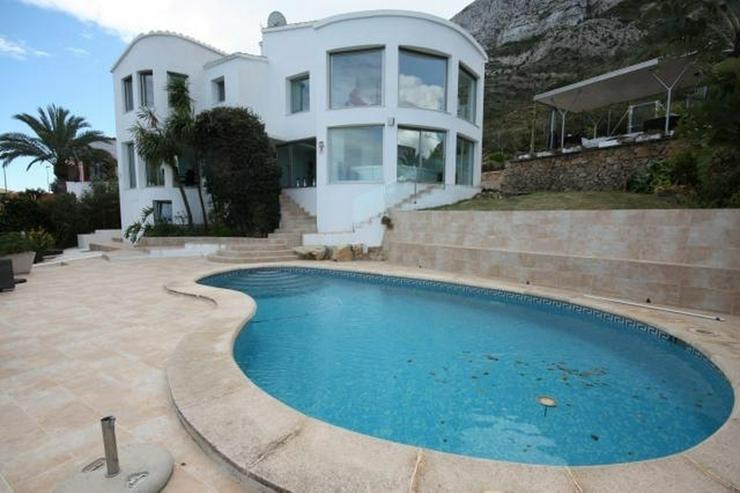 Bild 3: Moderne und zeitgenössische Villa in Denia mit fantastischem Meerblick
