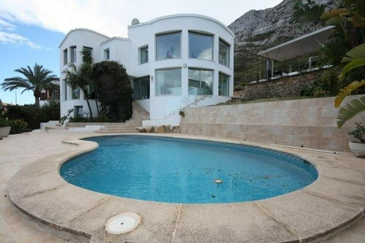 Moderne und zeitgenössische Villa in Denia mit fantastischem Meerblick - Haus kaufen - Bild 1