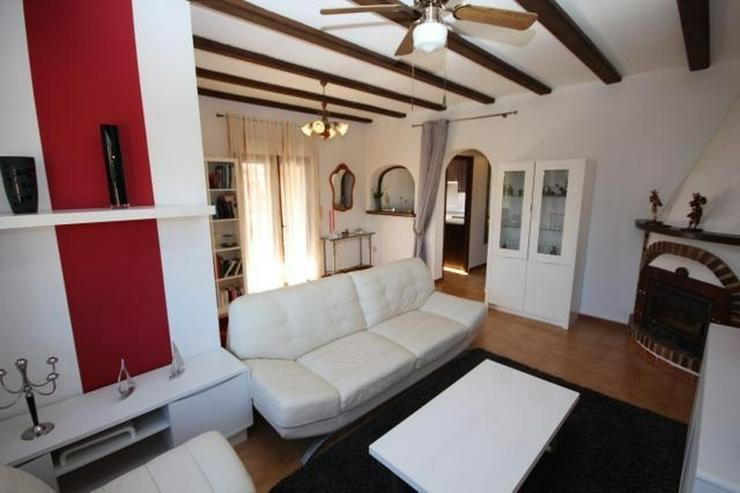 Bild 6: Gepflegte Villa mit Gemeinschaftspool, 3 Schlafzimmer, 2 Badezimmer, Kamin und Klimaanlage...
