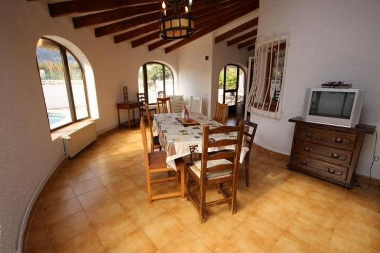 Bild 2: Strandnahe Villa in Els Poblets mit Zentralheizung, Kamin und privatem Pool von 8x5 Meter