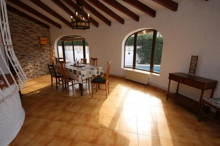 Bild 5: Strandnahe Villa in Els Poblets mit Zentralheizung, Kamin und privatem Pool von 8x5 Meter