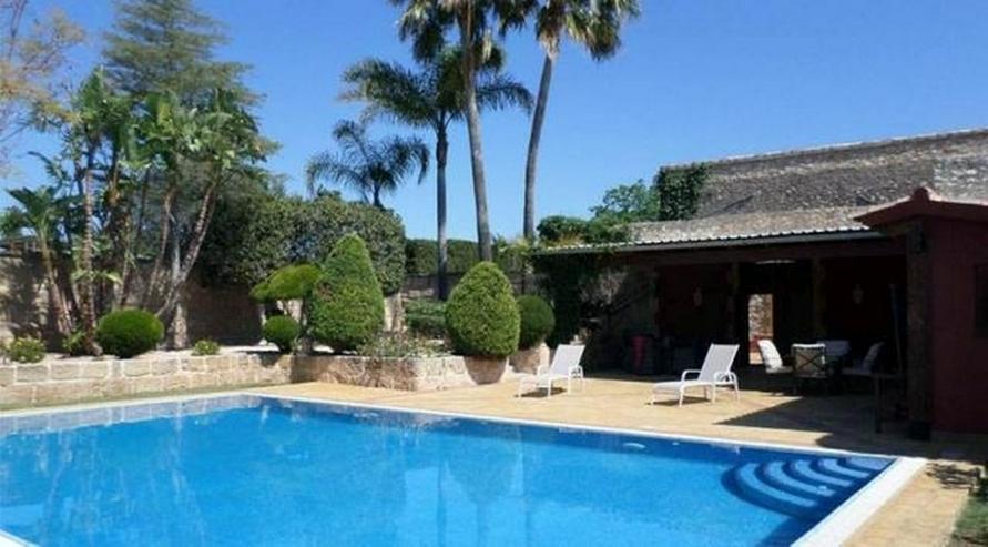 Eindrucksvolles Landhaus mit 12x6 m Pool und Blick auf mediterraner Landschaft, 7 Schlafzi... - Haus kaufen - Bild 1