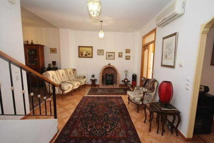 Bild 5: Stadthaus im Zentrum von Pego mit Zentralheizung, 3 Schlafzimmer, 2 Bäder, große Küche ...