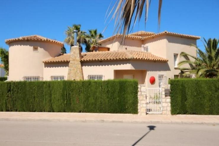 Bild 3: Makellose Villa mit Pool in bester Ausstattung und sehr hochwertiger Möblierung nur 30 Me...
