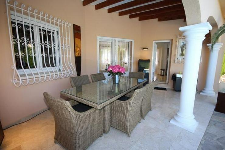 Bild 5: Makellose Villa mit Pool in bester Ausstattung und sehr hochwertiger Möblierung nur 30 Me...