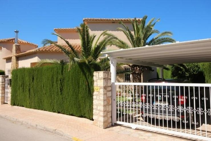 Bild 2: Makellose Villa mit Pool in bester Ausstattung und sehr hochwertiger Möblierung nur 30 Me...