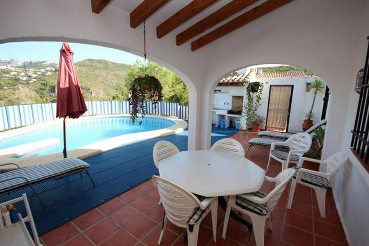 Bild 3: Schöne Villa mit Meer- und Bergblick, 3 Schlafzimmer, 2 Bäder, 7.5x6 m großer Pool, Ter...
