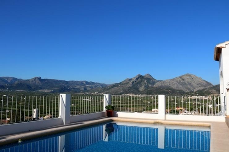 Bild 3: Villa mit bis 5 SZ in Sanet y Negrals mit viel Sonne und toller Bergsicht