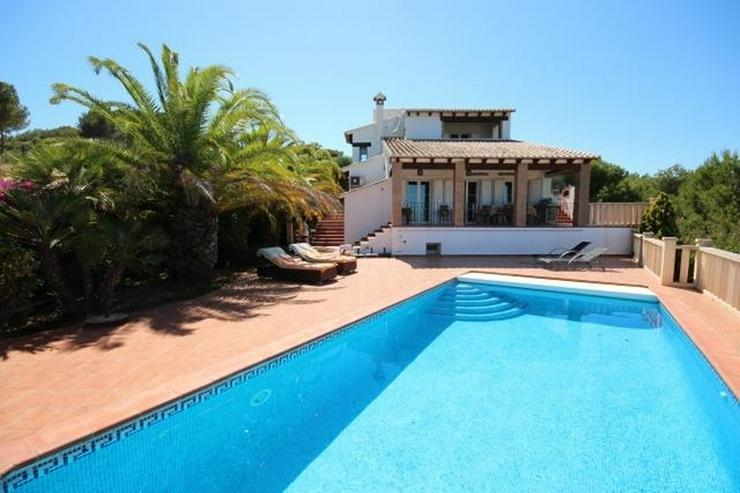 Traumhafte Villa mit herrlicher Meersicht, 4 SZ, Fussbodenheizung, Klima, Sauna, Kamin, Po... - Haus kaufen - Bild 1