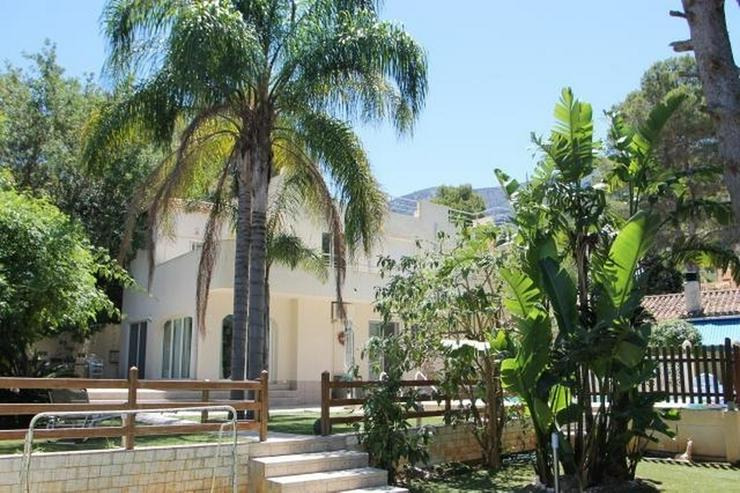 Villa in Denia/Marquesa V, mit unabhängigem Gästehaus, insgesamt 8 Schlafzimmer - Bild 1
