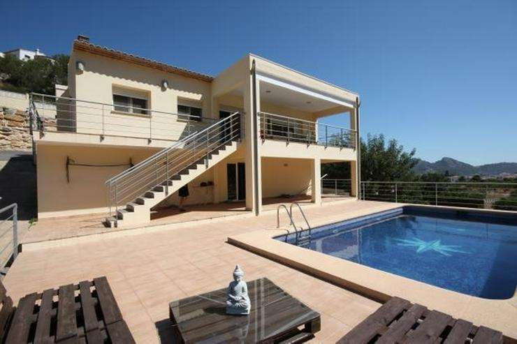 Großzügige Gut Angebundene 3 Schlafzimmer Villa Pool Monte Solana Pedreguer    Haus Kaufen   Bild 1