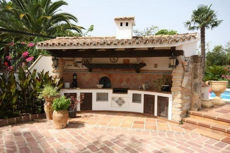Bild 4: Großzügige, stadtnahe 6 Schlafzimmer Villa mit Pool in ruhiger Lage nahe Denia