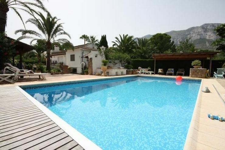 Großzügige, stadtnahe 6 Schlafzimmer Villa mit Pool in ruhiger Lage nahe Denia - Haus kaufen - Bild 1