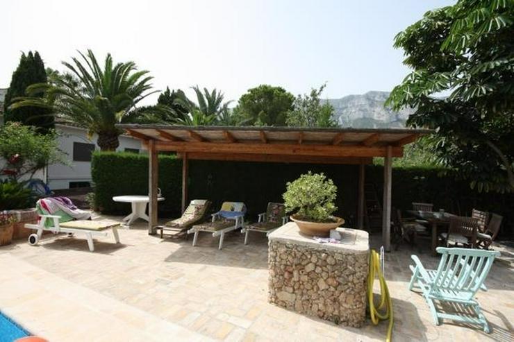 Bild 6: Großzügige, stadtnahe 6 Schlafzimmer Villa mit Pool in ruhiger Lage nahe Denia
