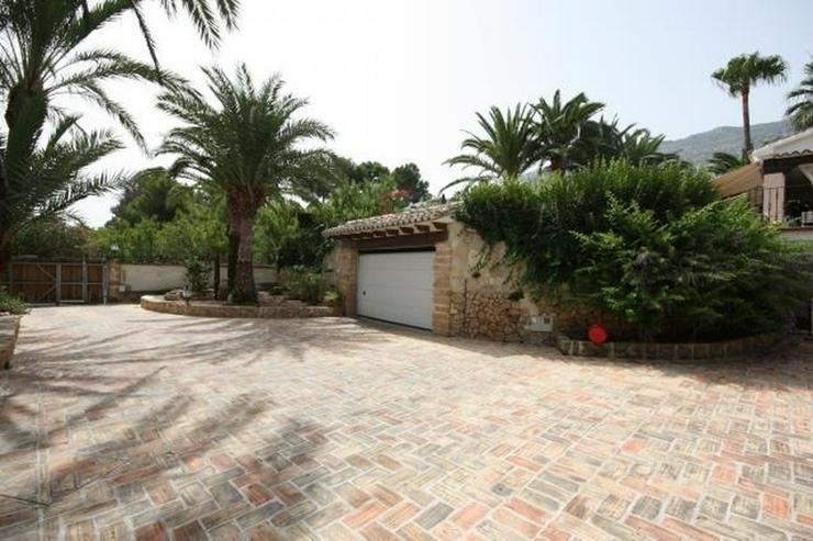 Bild 5: Großzügige, stadtnahe 6 Schlafzimmer Villa mit Pool in ruhiger Lage nahe Denia