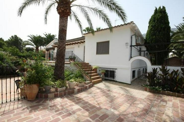 Bild 2: Großzügige, stadtnahe 6 Schlafzimmer Villa mit Pool in ruhiger Lage nahe Denia