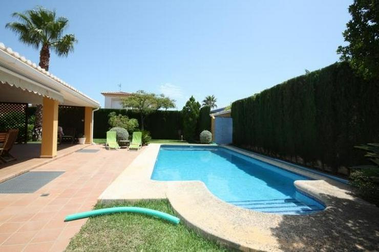 Bild 2: Hochwertige, 5 Schlafzimmer Villa mit Pool und Garage in stadtnaher Lage zu Denia