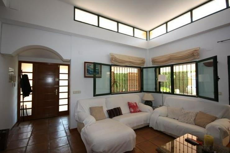 Bild 6: Hochwertige, 5 Schlafzimmer Villa mit Pool und Garage in stadtnaher Lage zu Denia
