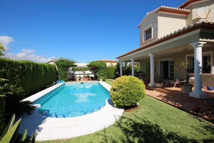 Bild 15: Gepflegte Villa mit traumhaftem Garten, Doppelgarage, Carport, WIGA, Fussbodenheizung, BBQ...