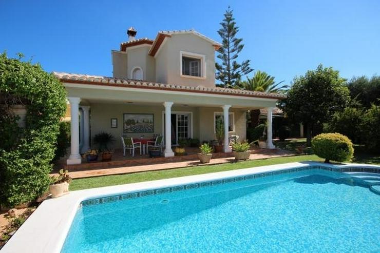 Bild 13: Gepflegte Villa mit traumhaftem Garten, Doppelgarage, Carport, WIGA, Fussbodenheizung, BBQ...