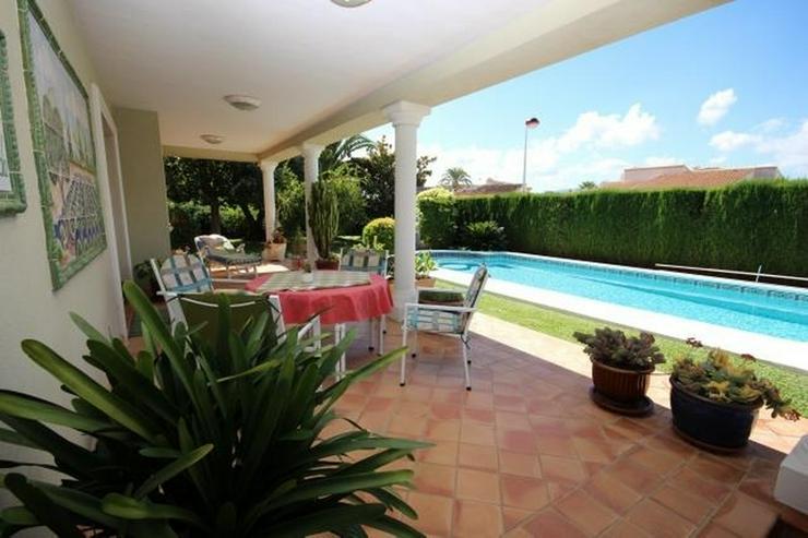 Bild 3: Gepflegte Villa mit traumhaftem Garten, Doppelgarage, Carport, WIGA, Fussbodenheizung, BBQ...