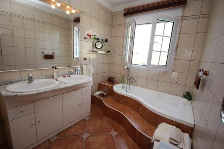 Bild 9: Gepflegte Villa mit traumhaftem Garten, Doppelgarage, Carport, WIGA, Fussbodenheizung, BBQ...