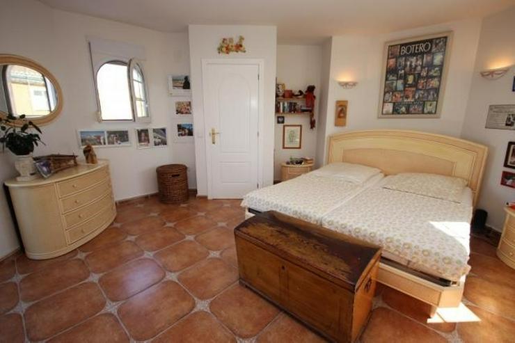 Bild 7: Gepflegte Villa mit traumhaftem Garten, Doppelgarage, Carport, WIGA, Fussbodenheizung, BBQ...