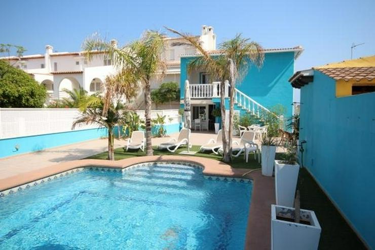 Strandvilla Pool 2 Wohnungen 6 Schlafzimmer Zugang Dünenstrand   Haus  Kaufen   Bild 1 1