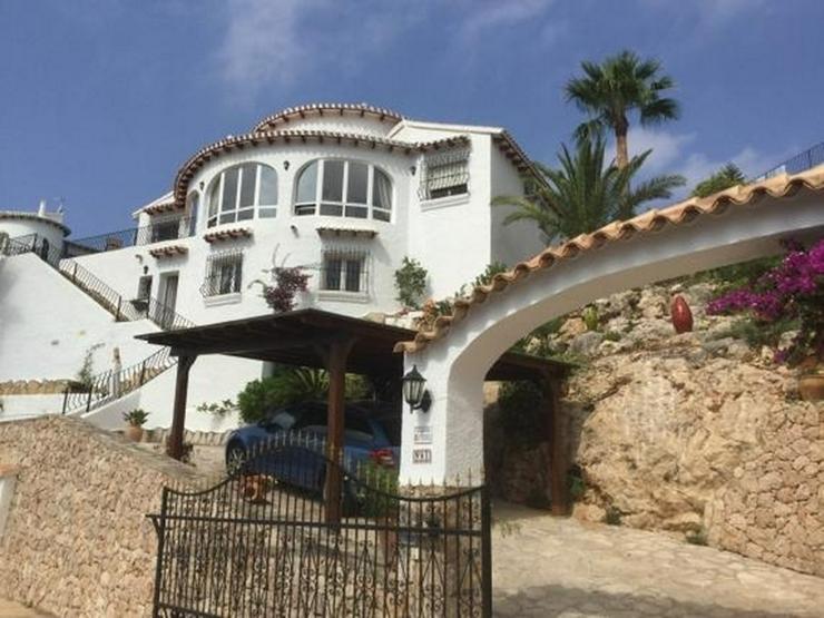 Bild 6: Sehr gepflegte Villa mit traumhaftem Ausblick auf das Meer und die Berge, Heizung, Winterg...