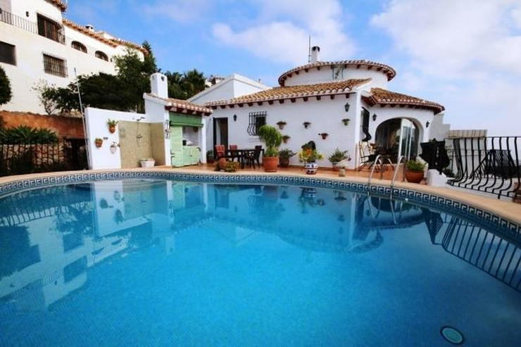 Sehr gepflegte Villa mit traumhaftem Ausblick auf das Meer und die Berge, Heizung, Winterg... - Haus kaufen - Bild 1