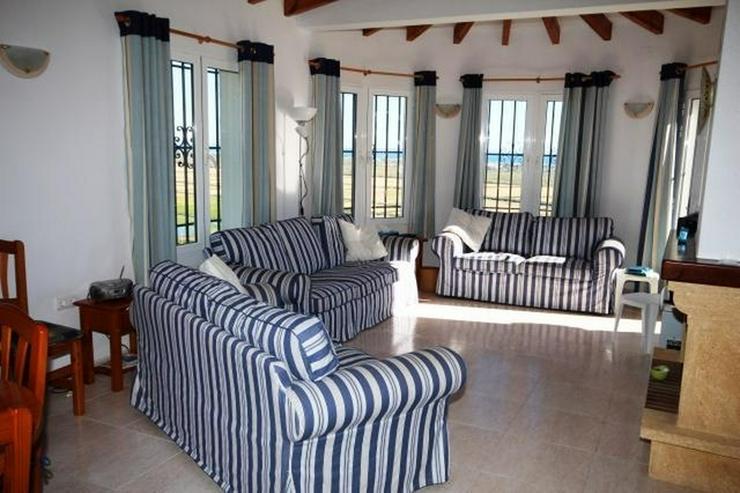 Bild 6: Villa mit 3 Schlafzimmer,Pool, große Terrasse und schönem Meerblick mit viel Ausbaupoten...