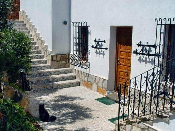 Bild 6: Ruhig gelegene 3 Schlafzimmer Villa mit herrlicher Fern / Meersicht