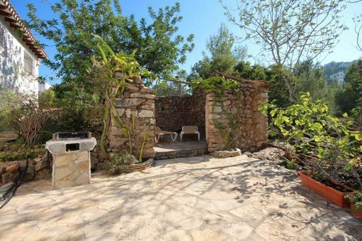 Bild 5: Sehr gepflegte Villa mit großem, privatem Grundstück am Monte Pego mit Pool, BBQ, Zentra...