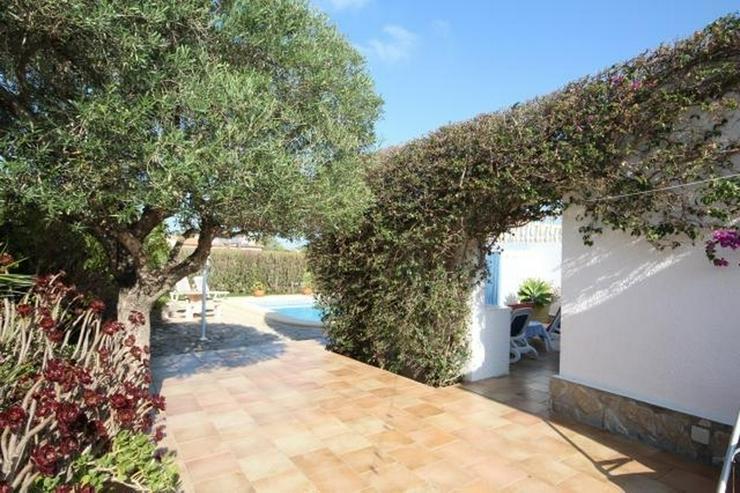 Bild 5: Villa in schöner Südlage mit Tageslicht-System und viel Platz innen und außen