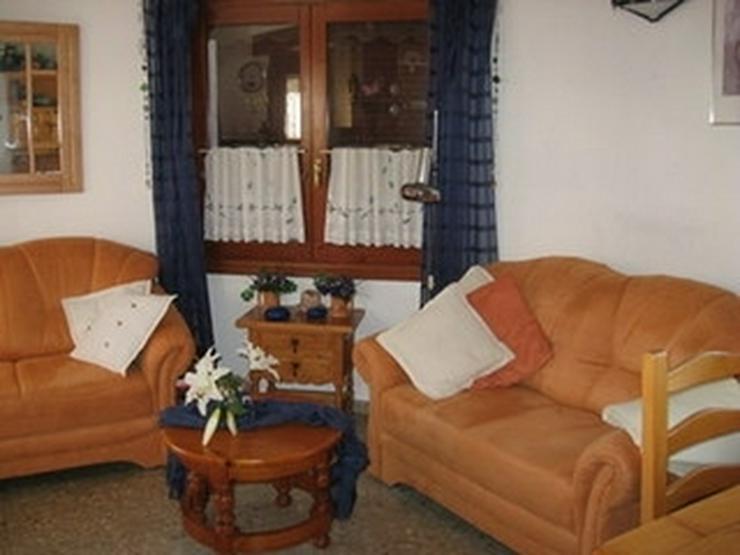 Bild 6: Gepflegte, stadtnahe 2 Schlafzimmer Villa mit Gemeinschaftspool in Denia