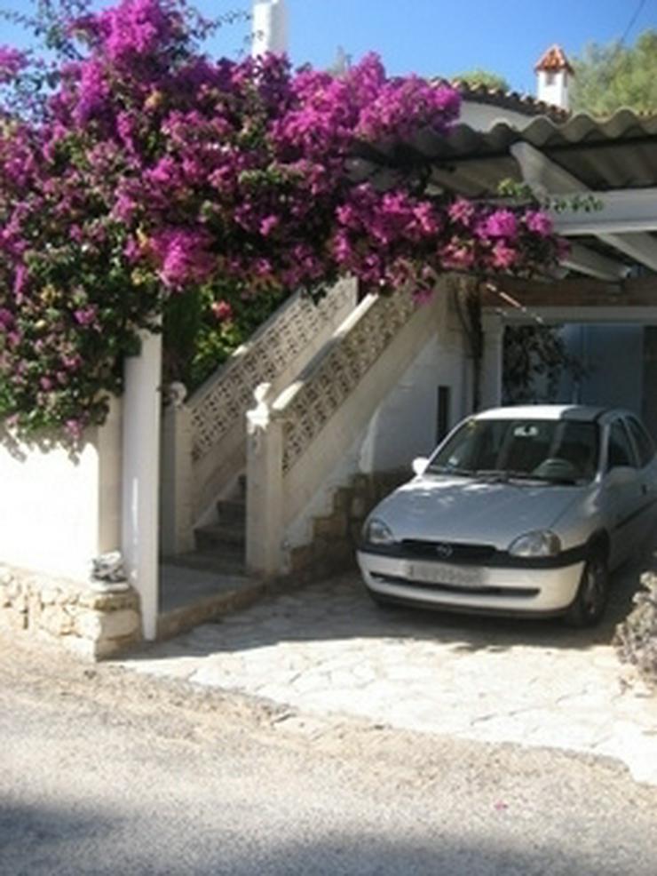 Bild 3: Gepflegte, stadtnahe 2 Schlafzimmer Villa mit Gemeinschaftspool in Denia