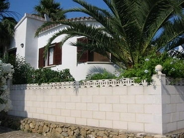 Gepflegte, stadtnahe 2 Schlafzimmer Villa mit Gemeinschaftspool in Denia - Haus kaufen - Bild 1